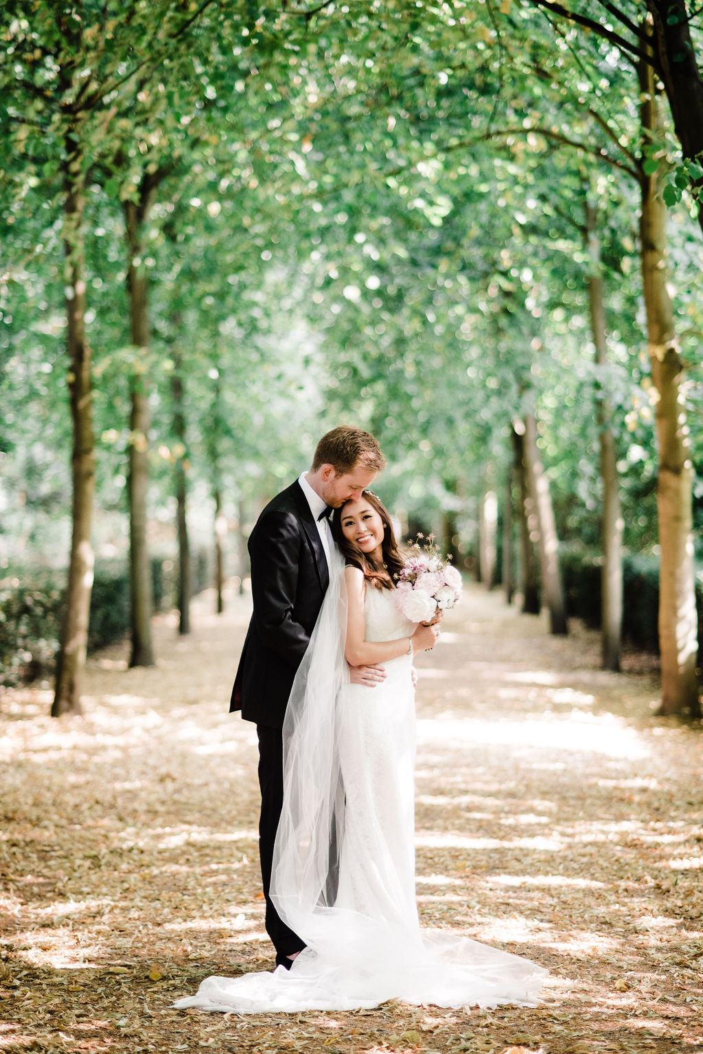 Romantic wedding couple portrait at Chiswick House